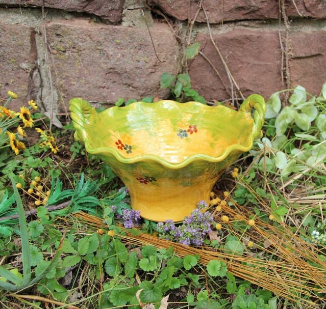 Terre e Provence Fruit Bowl with 2 Handles